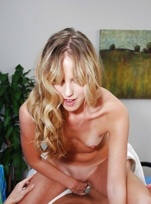 Back rubber invited stepbrother for a free massage that contains pussy-drilling